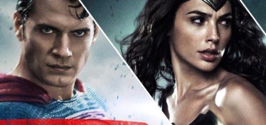 жестокая драка между чудо-женщиной и суперменом
