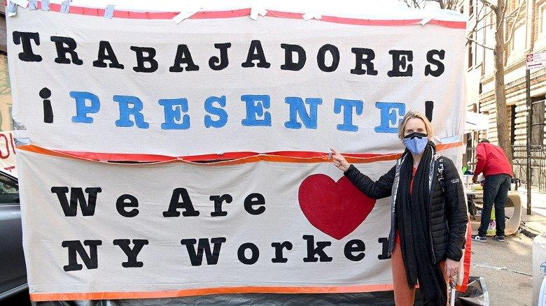 Синтия Никсон-яростная и давняя политическая активистка